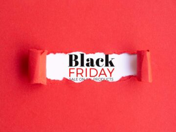 Sfondo rosso con scritta Black Friday - Black Friday 2020 e PMI: ecommerce come un'opportunità - The Brick House
