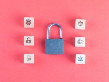 Concetto di sicurezza con lucchetto su sfondo rosa - Nuove direttive europee: funzionalità bloccate su facebook, messanger e instagram - The Brick House